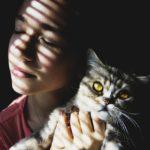 Jak poznám žárlivce? Varovné příznaky žárlivosti