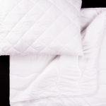 Jaký materiál zvolit u přikrývky a polštáře pro pohodlné spaní?